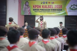 Pemprov Kalsel kembangkan Pramuka tingkatkan kreatifitas remaja