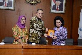 Istri panglima TNI belajar Toga di IPB
