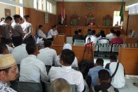 Tiga terdakwa pembakaran bendera dihukum penjara 10 hari