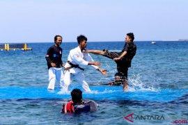Pertandingan silat di atas air