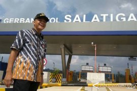 Menteri BUMN pimpin ekspedisi tembus tol Surabaya-Jakarta