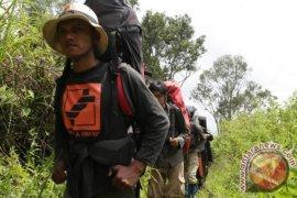 Gunung Marapi ditutup untuk pendakian pada malam tahun baru