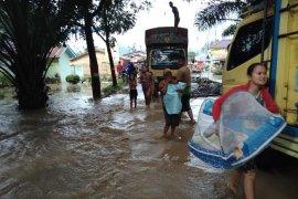 Banjir putus jalan nasional Kutacane-Blangkejeren