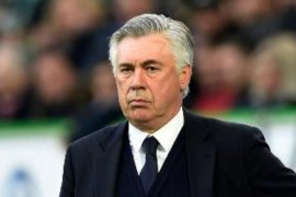 "Klub Napoli perintahkan pemain ikut ""ritiro, meski Ancelotti tidak setuju"