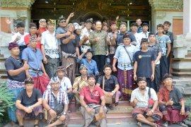 Sopit transportasi konvensional mengadu ke Wagub Bali