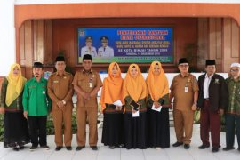 Pemkot Binjai berikan bantuan operasional buat 445 guru