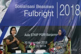 AMINEF offers Fulbright scholarship to STKIP-PGRI