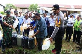 Polres Malra musnahkan 2.300 liter sopi