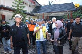 Menteri PUPR fokus evakuasi dan bersihkan puing