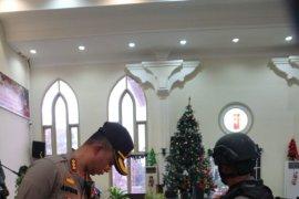 Kapolresta Pontianak turun langsung lakukan sterilisasi Gereja di Pontianak