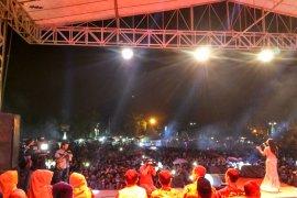 Ribuan warga Batanghari tonton penutupan Festival Tapa Malenggang