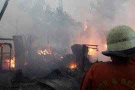 Senin pagi, 30 rumah di Kembangan ludes dilalap api