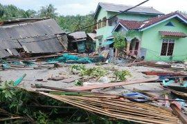 817 rumah di Banten-Lampung rusak akibat gelombang tinggi