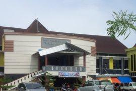 Disperindag Ternate diminta benahi pasar tradisional