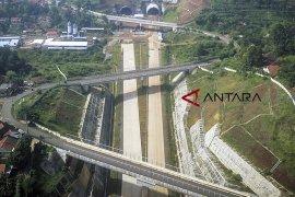 Sebagian jalan tol Cisumdawu ditarget bisa dipakai mudik Lebaran