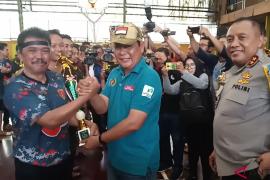 Tim Futsal Polda Kalsel jawara Adaro PWI Kalsel Cup 2018