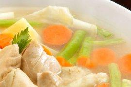 Berikut rahasia sup ayam bantu redakan flu