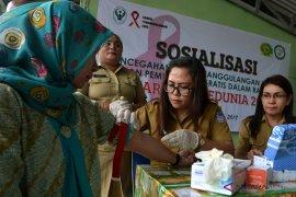 SOSIALISASI PENANGGULANGAN HIV/AIDS DI KALANGAN TNI Page 1 Small