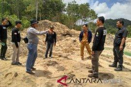 Polres-Dishut Babel pantau aktivitas TI di lereng Bukit Muntai Toboali