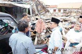 Zulkifli Hasan datangi korban tsunami di Lampung Selatan