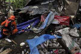 Basarnas temukan lima jenazah korban tsunami Selat Sunda