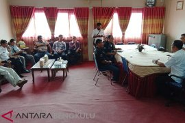 Serikat buruh sawit Mukomuko temui Kadisnakertrans terkait UMK 2019