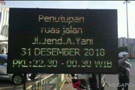 Bekasi tutup jalan protokol untuk tahun baru