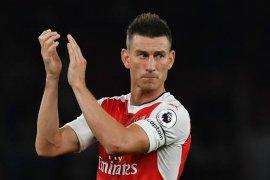 Monreal berharap sang kapten berdamai dengan Arsenal