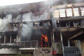 Gedung SBM ITB terbakar