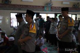 Kapolda Sumut Safari Jumat di Masjid Nurul Iman