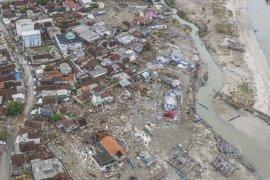 Zona waspada masih radius 500 meter dari pantai Selat Sunda