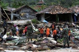 Pencarian korban tsunami di Rajabasa Lampung Selatan