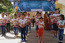 Ratusan anak Natal Bersama PT STP