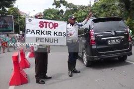 Pengunjung KBS Membludak, Tiga Lokasi Parkir Alternatif Disiapkan