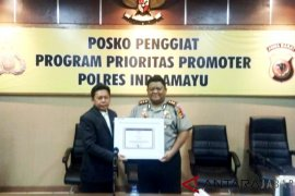 Polres Indramayu terima 'Promotor Award' dari Lemkapi