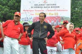 Presiden Jokowi Senam Tera bersama 20.000 Terawan-Terawati