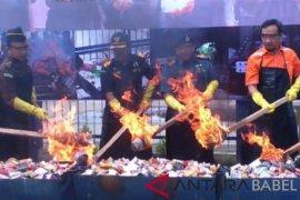 Bea Cukai Tanjung Pandan musnahkan 11.482 rokok ilegal