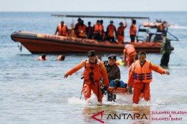 Basarnas cari wisatawan yang tenggelam di Pantai Tolitehuyu Gorontalo Utara