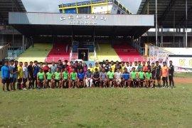 Pertina Malut target loloskan 10 petinju ke PON 2020