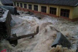 Delapan daerah di Sukabumi terendam banjir