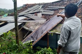 Wilayah Utara Sukabumi dilanda puting beliung