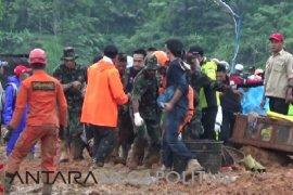 Butuh Rp1 miliar untuk relokasi korban longsor Cimapag