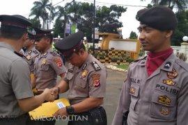 Bantu penanganan bencana puluhan polisi Sukabumi dapat penghargaan