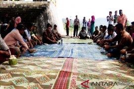 Bupati: ongkos bajak sawah petani Abdya termurah di Indonesia