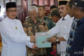 2.432 warga Aceh Barat terima sertifikat tanah gratis
