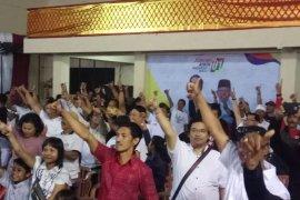 Nonton bareng debat capres di Bali berlangsung seru