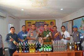 Polres Serang Kota Amankan Ratusan Botol Miras Ilegal