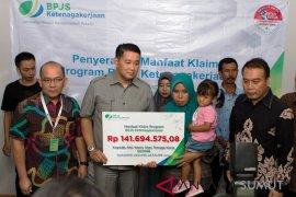 Seekor lumba-lumba ditemukan mati di Aceh Jaya