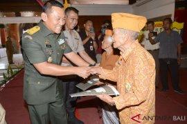 Kodam IX/Udayana rangkul veteran wujudkan pesta demokrasi damai