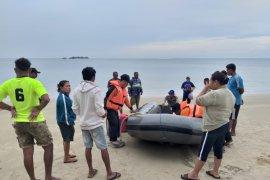 Regu penyelamat cari nelayan hilang di Saumlaki
